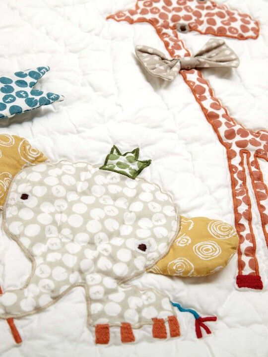 Zam Bee Zee - Cotbed Coverlet image number 2